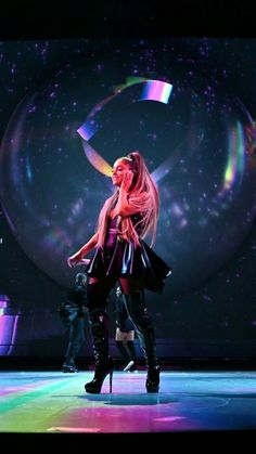 Ariana Grande performs onstage during the Sweetener World Tour - Opening Night at Times Union Center on March 2019 in Albany, New York. Get premium, high resolution news photos at Getty Images Ariana Grande Style, Ariana Grande Pictures, Cat Valentine, Ariana Grande Sweetener, Ariana Grande Wallpaper, Applis Photo, Dangerous Woman, Light Of My Life, Buy Tickets