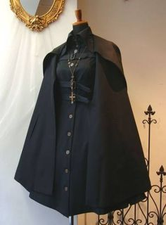 Simple and modern tips and tricks: How to wear costume jewelery ornaments - cosplay - Gothic Mode Lolita, Cool Outfits, Fashion Outfits, Character Outfits, Lolita Dress, Goth Dress, Aesthetic Clothes, Gothic Fashion, Modern Fashion