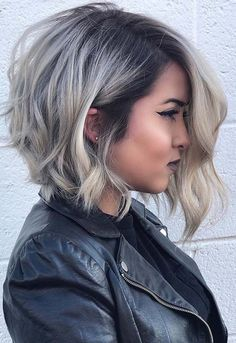 See the most beautiful long bob blonde hairstyles for 2018.