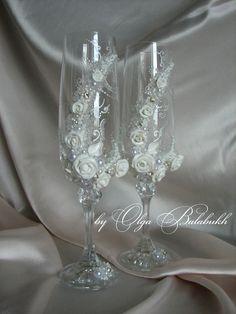 Charming wedding glasses by ArtsLux on Etsy, $55.00