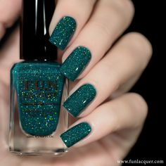 a green holographic nail polish to paint your nails for a fabulous shimmery look. Perfect for New Years! This polish can be worn alone in coats. Collection: New Year 2017 Stylish Nails, Trendy Nails, Cute Nails, My Nails, Nail Paint Shades, Fun Lacquer, Beauty Hacks For Teens, Nagellack Design, Holographic Nail Polish