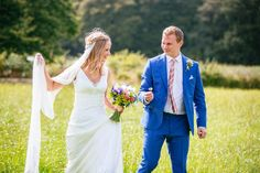 Please view a selection of images from a Sussex barn wedding at Bartholomew Barn.