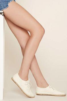 PEDIDOS SOLO POR #ENCARGO Código: F-55 Canvas Espadrille Sneakers Color: Cream Talla: 5.5-6-7-8-9-10 Precio: ₡17.000 ($31,37)  Whatsapp ☎8963-3317, escribir al inbox o maya.boutique@hotmail.com  Envíos a todo el país. #MayaBoutiqueCR ❤