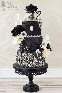 Satin Ice Artist of Excellence Riany Clement   Bellaria Cake Design