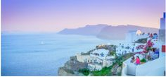 Bucket List Things To Do in Santorini. Here are the most popular and ineteresting things you can do in Santorini: Hike from Fira to Oia Watch a Movie at an Open Air Cinema Explore the Ancient Akrotiri Watch Sunset at Oia . Honeymoon Destinations, Amazing Destinations, Honeymoon Cruises, Honeymoon Ideas, Holiday Destinations, Bon Plan Voyage, Voyage Europe, Romantic Vacations, Romantic Getaways