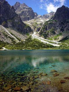 Zelené pleso alpine lake in High Tatra Mountains, Slovakia (by mangalino1980).