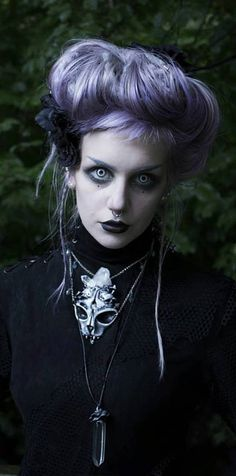 Manic Moth | She is my LEGIT MUSE when it comes to style...