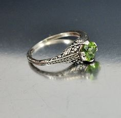 Vintage Sterling Silver Filigree Green Peridot Ring