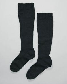 mannenkousen, Walcheren, voor 1966, zwarte wol, tricotsteek en boordsteek #Zeeland #Walcheren