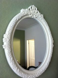 Casual French Oval Mirrors Bathroom to Bighten Up Your Space - Master Home Decor White Bathroom Mirror, Bathroom Mirror Design, Black White Bathrooms, Simple Bathroom, Bathroom Ideas, Bathroom Furniture, Bathroom Interior, Mirror Shapes, Oval Mirror