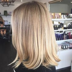 Gorgeous blend from deeper roots into fresh creamy vanilla ends 🍦🍦🍦 Baby lights and balayage to achieve this blend. Blonde Hair Looks, Blonde Hair With Highlights, Soft Blonde Hair, Balayage Highlights, Sandy Blonde, Blonde Wig, Short Blonde, Ash Blonde, Great Hair