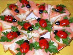 Finger Sandwiches with Veggie Ladybugs Orange Creme, Salmon Salad Recipes, Snacking, Snack Recipes, Dessert Recipes, Finger Sandwiches, Party Sandwiches, Sandwich Cake, Cute Cookies