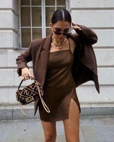 Fashion 2019 New Moda Style - fashion Look Fashion, 90s Fashion, Womens Fashion, Fashion Tips, High Fashion Outfits, Vintage Fashion, City Fashion, Fashion Blogger Style, Jeans Fashion