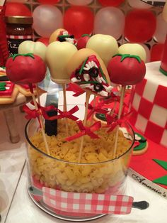 Pizza cake pops