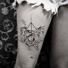 Resultado de imagem para tatuagem de câmera geometric
