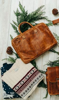 We are a proud retailer of ONA for Germany and many other countries of the world – visit us at: www.designstraps.com/onabags    #designstraps #onabags #camerabag #kameratasche #photography #camera #kamera #lifestyle #leder #taschen    The Kingston briefcase in classic antique cognac