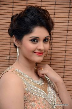 Surabhi-at-Gentleman-audio-launch-(28)