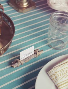 DIY: twig and twine place cards