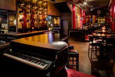Bar 36 Black, een piano bar aan De Amstel