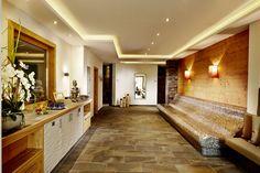 Hotel in Wals bei Salzburg Salzburg, Mirror, Furniture, Home Decor, Fresh Fruit, Environment, Decoration Home, Room Decor, Mirrors