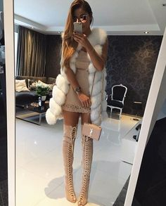 Dresses To Look Cool - Fashion Idea Tan Dresses, Spring Dresses, Pretty Dresses, Look Cool, Cool Style, Style Pic, Ootd, Catwalks, Classy And Fabulous