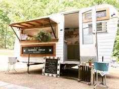 The Wandering Sidecar Bar Company is a mobile beverage catering service in St. This is their camper bar, Ruthie. Caravan Bar, Retro Caravan, Catering Trailer, Food Trailer, Coffee Carts, Coffee Shop, Coffee Food Truck, Starting A Food Truck, Outdoor Catering