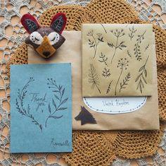 🌿🐻🌿 #etsy #etsyorder #etsyseller #etsyshop #revonvilla #felt #handcraft #drawing #packagingart #mail #snailmail #nature #naturelovers #bear #brooch #postia #karhu #nalle #rintaneula #kirje #luonto
