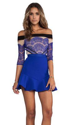 Three Floor Vestido Kloss Up en Tono piel, negro y azul cobalto | REVOLVE