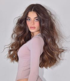 Pretty Hairstyles, Straight Hairstyles, Brown Hair Shades, Hair Extensions Best, Hair Photography, Brunette Hair, Hair Highlights, Gorgeous Hair, Her Hair