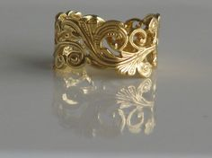 Vintage Art Nouveau Gold Band