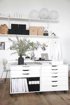 DIY: IKEA hack Alex-hurts (Trendenser) // home office ideas // white workspace Ikea Home Office, Home Office Space, Office Workspace, Home Office Design, Home Office Furniture, Office Designs, Ikea Office Hack, Office Spaces, Work Spaces