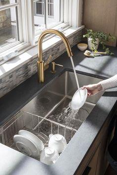 Modern Kitchen Sinks, Kitchen Sink Design, Modern Kitchen Design, Home Decor Kitchen, Interior Design Kitchen, Cool Kitchens, Big Kitchen, Faucet Kitchen, Stainless Steel Kitchen Sinks