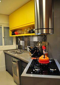 Apt G&A: Cozinhas modernas por Deise Soares Estúdio de Arquitetura