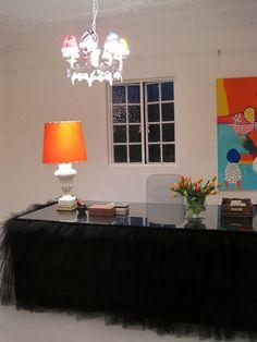 La mesa forrada de tul [] The tulle table