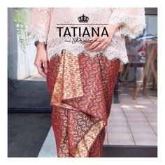 Tatiana Wedding Skirts Jassy Maroon IDR 90k Ukuran : 200 x 110 cm Bahan : semi silk motif timbul Warna : maroon - gold (two tone colors) Order/ask (pilih salah satu) : WA : 082220664355 Line : klik link di bio yaa Format pemesanan : Nama : Jenis : Alamat : No HP :  #kainkondangan #rokkondangan #kainlilit #kainikat #weddingskirts #kondangan #kebaya #kebayaindonesia  #kainbatik #kainsongket #jualrok #jualroksongket #seragamnikahan #kebayakutubaru #kebayainspirasi #kainlilitwisuda… Lace Skirt, Sequin Skirt, Kebaya, Maid, Sequins, Projects, Style, Fashion, Log Projects