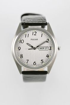 Pulsar Watch Mens Silver Stainless Water Resistant Black Leather Day Date Quartz