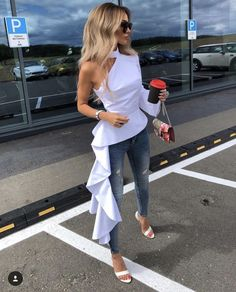 Images with date outfits as inspiration for what to wear on a first date for drinks. Use these dating outfit ideas to impress your partner. Street Chic, Street Style, Casual Outfits, Summer Outfits, Casual Drinks Outfit, Couple Outfits, Club Outfits, Summer Clothes, First Date Outfits