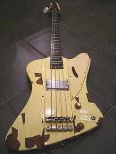 Mott the Hoople. Overend Watt's 1963 Gibson Thunderbird Bass