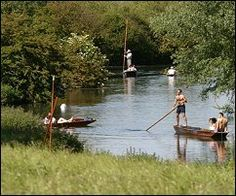 Self-hire punters at Grantchester Meadows. Copyright Thirdlight Photography Ltd. 2004