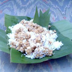 Di antara begitu banyak bahan makanan pengganti nasi, yang jadi favorit kamu yang mana sih? Ada yang suka Tiwul nggak?