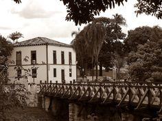 Pirenópolis - ponte sobre o Rio das Almas