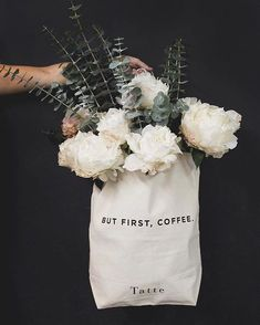 the essence of simple. White floral bouquet in white bag Deco Floral, Arte Floral, Floral Design, My Flower, Beautiful Flowers, White Flowers, White Roses, Fresh Flowers, Plants Are Friends