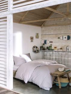 """""""Cabane de la plage"""" - TODAY by Lefebvre Textile #Cabane #Plage #Cargo #Mer #Océan #Rayure #Escapade #Navire #Bateau #Découverte #Sable #Douceur #Vacances #Nature #Bois #Flotté #Plancher #Bouée #Rame #Ancre #Marinière #Lin #Ponton #Port #Wording #Beach #Design #Factory #Relax #Modern #Industry"""