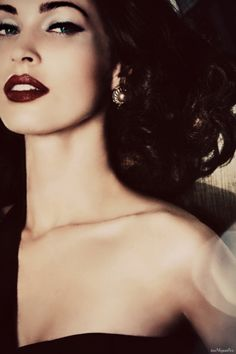 vintage glam, full brow and red lip