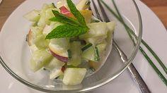 Gurken - Apfel - Salat, ein beliebtes Rezept mit Bild aus der Kategorie Früchte. 35 Bewertungen: Ø 4,1. Tags: Camping, einfach, Früchte, Gemüse, kalt, raffiniert oder preiswert, Salat, Schnell, Sommer, Studentenküche, Vegetarisch, Vorspeise