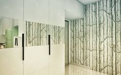 Antechamber forest.  #antechamber #hall #interiordesign #interior #design #architecture #interiordesigner #custom #made #furniture #custommade #furnituredesign #mirrors #wallpaper #wnetrza #projektowaniewnetrz #projektwnetrz #projekt #wnetrz #architekt #modern #white #willalindego #warsaw #interiors #ProjektowePola