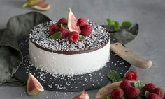 Er du glad i kokosboller så vil du elske denne kokosbollekaken! Sweet Life, No Bake Desserts, Panna Cotta, Cake Decorating, Cheesecake, Food And Drink, Ice Cream, Sweets, Ethnic Recipes