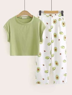 To find out about the Cap Sleeve Tee & Avocado Print Pants at SHEIN, part of our latest Two-piece Outfits ready to shop online today! Cute Pajama Sets, Cute Pjs, Cute Pajamas, Teen Fashion Outfits, Outfits For Teens, Girl Outfits, Preteen Fashion, Fashion Fall, Latest Fashion