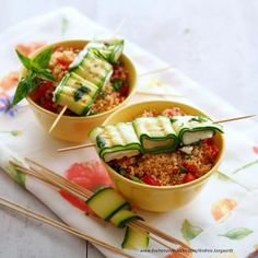 Gegrillte Zucchini-Käse-Spieße Couscous Salat, Salsa, Tacos, Mexican, Vegetables, Ethnic Recipes, Food, Grilled Zucchini, Vegetarian Grilling
