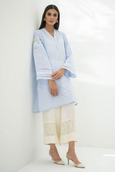 Bring a glamorous uplift to your wardrobe with Sania Maskatiya aesthetic clothing range from formal dresses to luxury Pret wears collection. Pakistani Fashion Party Wear, Pakistani Dresses Casual, Simple Dresses, Casual Dresses, Eid Dresses, Kurta Style, Sleeves Designs For Dresses, Kurta Designs Women, Designer Dresses